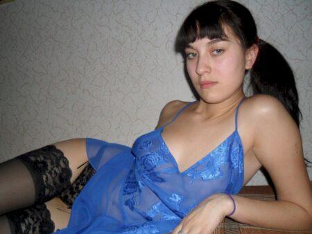 Femme coquine dominante pour coquin qui se soumet