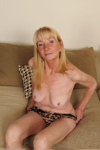 Femme cougar cherche un libertin sur le 94 pour du plan q