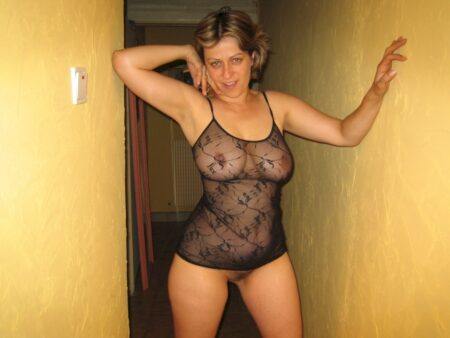 Plan sexe pour femme infidèle entre adultes chauds pour une cochonne sur le 13