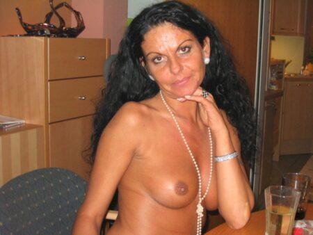 Une femme adultère sur le Doubs qui s'ennuie